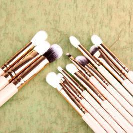 Διαγωνισμός για πακέτο με 12 επαγγελματικά πινέλα για μακιγιάζ σε 3 τυχερές