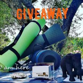 Διαγωνισμός για δύο στρώματα γιόγκα Niyamas Yoga Mat