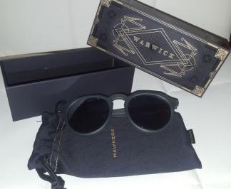 Διαγωνισμός για ένα ζευγάρι γυαλιά Hawkers