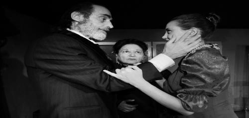 Διαγωνισμός για 2 διπλές προσκλήσεις για την παράσταση «Αρχιμάστορας Σόλνες»