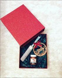 Διαγωνισμός για μεταλλικό χάλκινο χρώμα Acualux, πινέλο Harris & ένα ξύλινο χριστουγεννιάτικο στολίδι βαμένο με αυτό το υπέροχο χρώμα