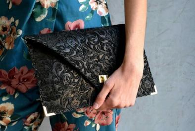 Διαγωνισμός με δώρο mια χειροποίητη τσάντα από αυθεντικό Lux ιταλικό δέρμα σουέντ αξίας 69,60 €.
