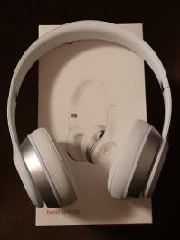 Διαγωνισμός για ακουστικά κεφαλής Apple Beats by Dr. Dre Solo 2
