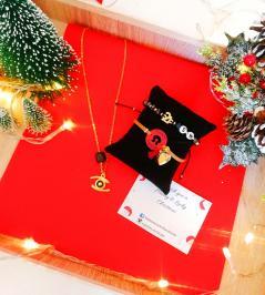 Διαγωνισμός με δώρο 1 Κολιέ ματάκι με ατσάλινη αλυσίδα & 1 από τα δύο βραχιόλια γούρια.