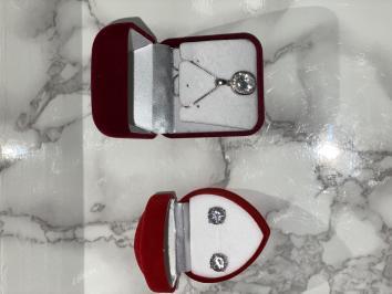 Διαγωνισμός με δώρο ένα σετ κοσμήματα κολιε και σκουλαρίκια ασημενια με κρύσταλλα