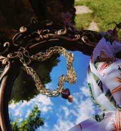 Διαγωνισμός για ένα κόσμημα σε σχήμα καρδιάς με χοντρή χρυσή αλυσιδα απο njewelry.