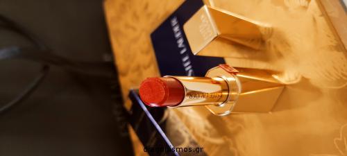 Διαγωνισμός με δώρο ένα σετ Estée Lauder με το κραγιόν Pure Colour Desire Rouge Excess Lipstick και το μολύβι χειλιών Double Wear Stay-in-Place Lip Pencil.  3 νικήτριες από ένα σετ
